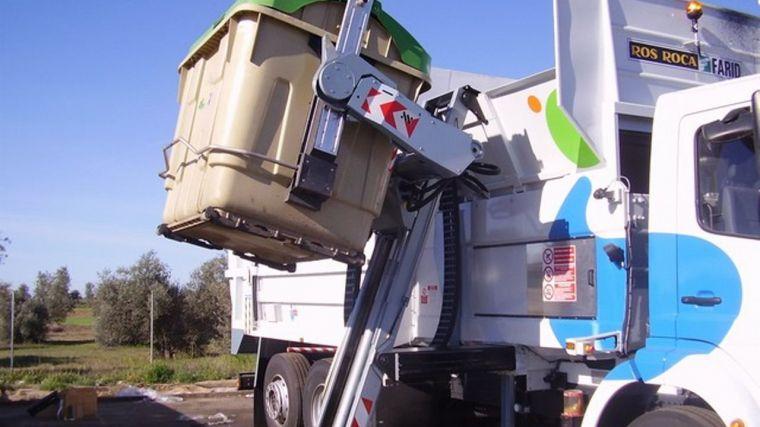 La Diputación de Toledo finaliza la implantación del sistema de carga lateral de residuos de la provincia