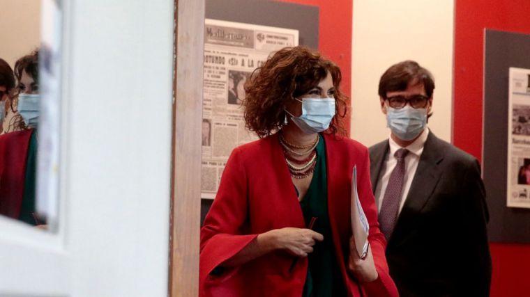 """El IVA de las mascarillas y el """"síndrome de Hacienda"""" de la doctora metida a ministra"""