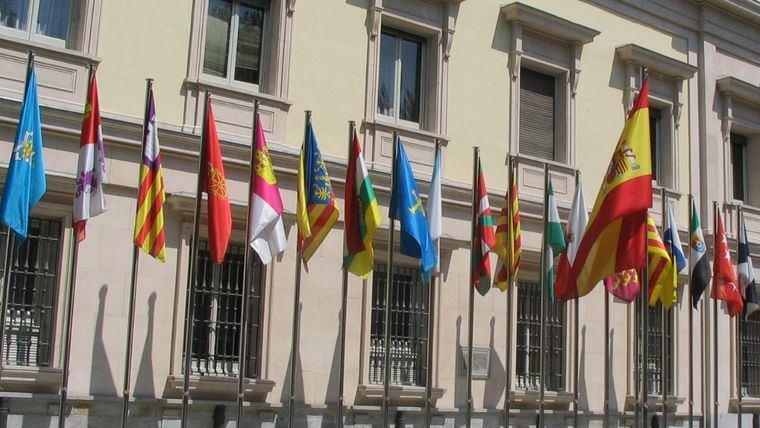 El saldo del flujo de empresas beneficia a Madrid, pero el de la cifra de negocios de las mismas, a Cataluña