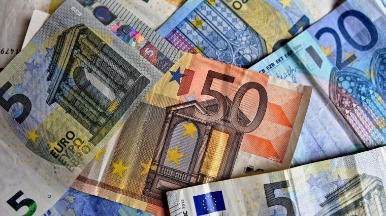 La Junta reduce su déficit presupuestario anual en 120 millones de euros (77,7%)