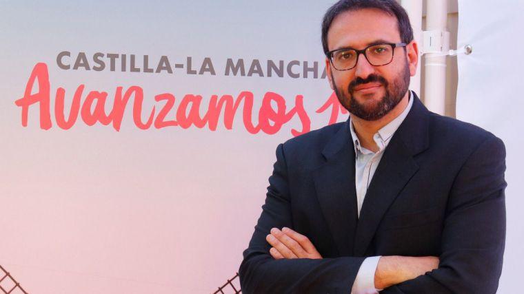 """Gutiérrez afirma que """"si nos dejáramos llevar por los titulares"""" del PP, """"hoy habría miles de personas"""" sin la segunda dosis"""
