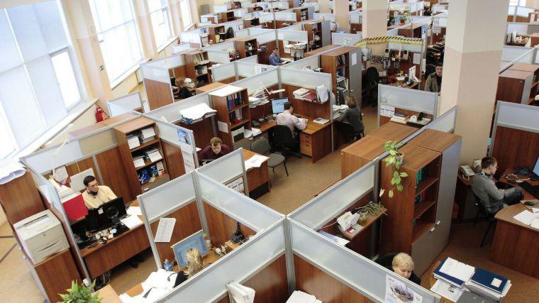 La destrucción de empleo en CLM se da en los asalariados del sector privado y la creación en las administraciones públicas y con carácter temporal