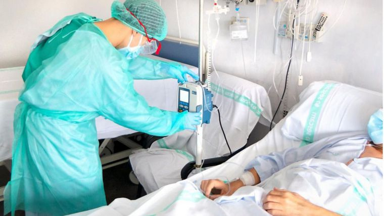 1.710 nuevos contagios, 37 fallecidos, 1556 hospitalizados en planta y 238 en UCI
