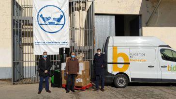 La Cooperativa de Distribución Farmacéutica Bidafarma entrega productos de primera necesidad al Banco de Alimentos de Toledo
