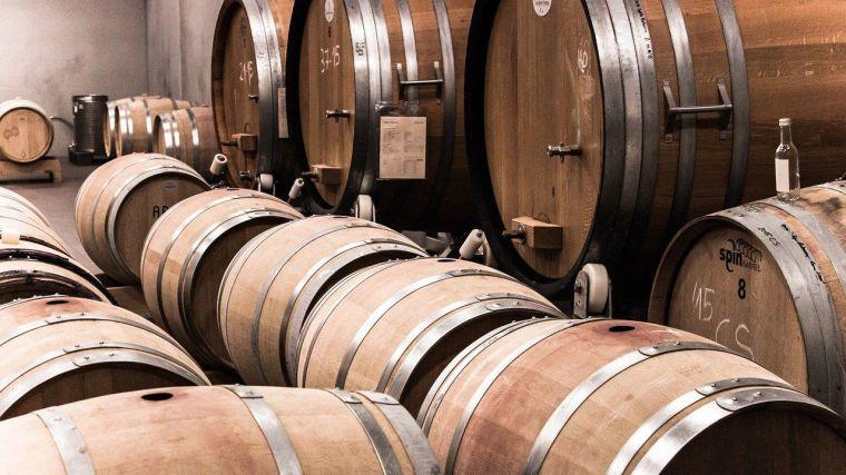 El sector del vino pide medidas urgentes por la caída de ventas y el aumento del stock en las bodegas