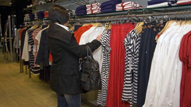 Las ventas del comercio textil caen en los dos primeros meses un 47,2%