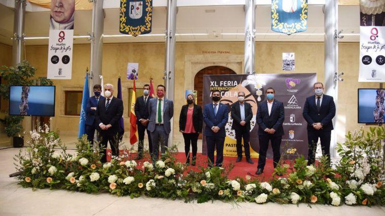 Arranca la 40ª Feria Apícola de Pastrana, en formato semipresencial, con ayudas próximas a publicar para el sector