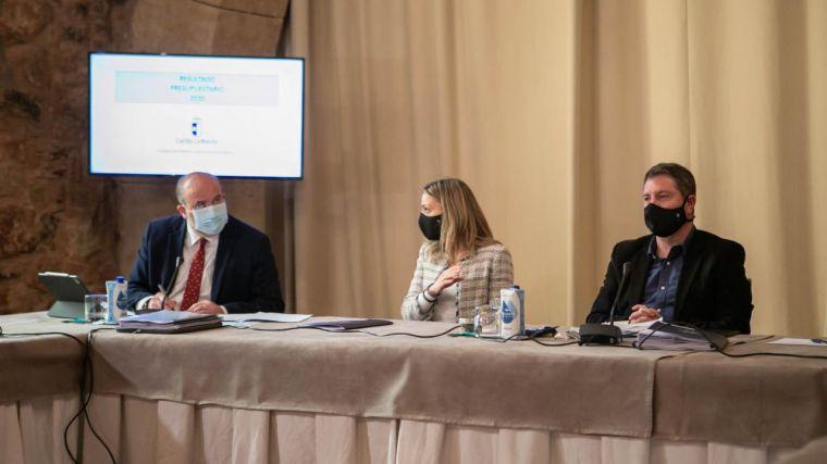 CLM diseña una nueva convocatoria de 10.000 plazas de empleo público para consolidar los servicios públicos