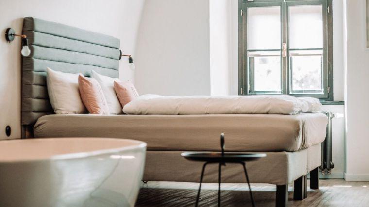 En febrero, los hoteles de la región ingresaron 9 euros por habitación disponible y facturaron 45,5 por ocupada