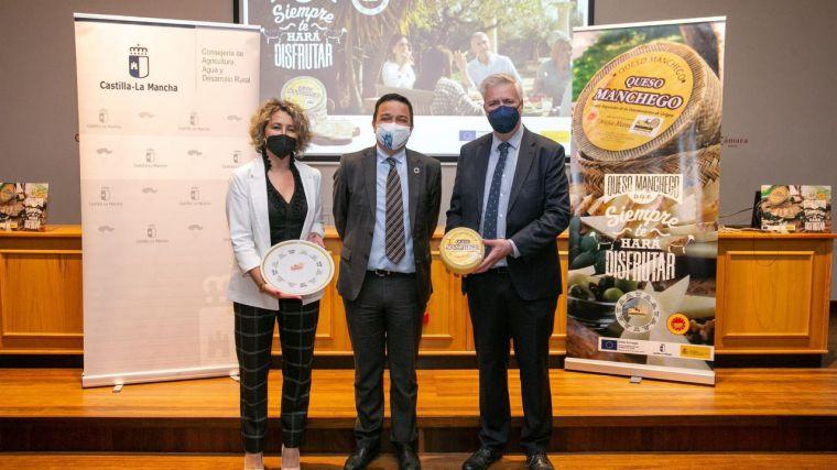 Una nueva campaña nacional respaldada por Almodóvar, Iniesta o Rozalén contribuirá a promocionar el queso manchego