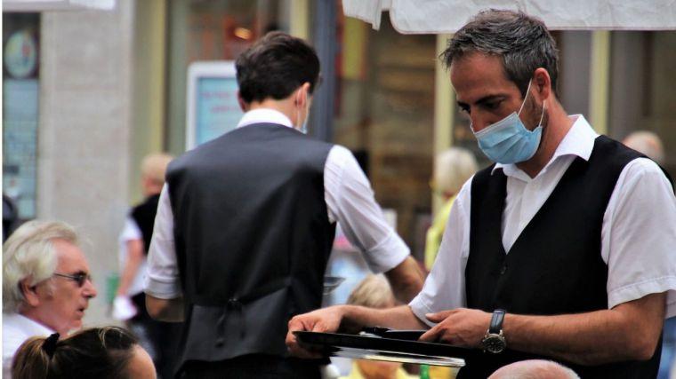 La caída del 16,1% de los ingresos en el sector servicios de CLM provoca la destrucción del 3,1% del empleo
