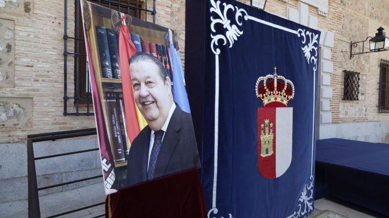 Las Cortes regionales guardan un minuto de silencio por el fallecimiento del expresidente Jesús Fernández Vaquero