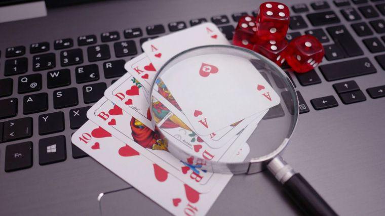 Los españoles se gastaron 3.500 millones de euros en juego online en 2020, que dejó 851 millones de beneficios al sector