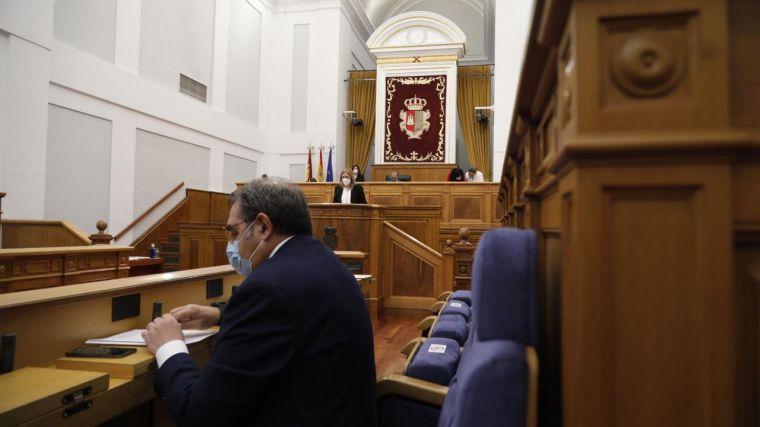 Castilla-La Mancha seguirá perimetrada, retrasa el toque de queda a medianoche y permitirá 6 personas en interior de locales