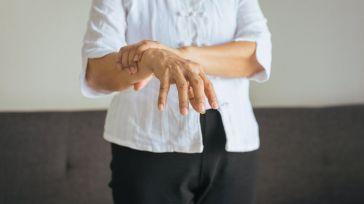 El tratamiento fisioterápico ayuda a paliar el deterioro progresivo de los pacientes con párkinson