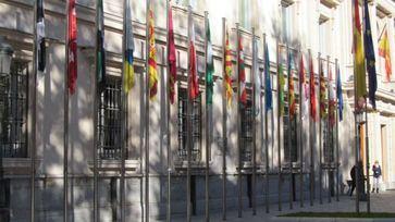 La reducción de la deuda comercial autonómica, un respiro para el sector privado