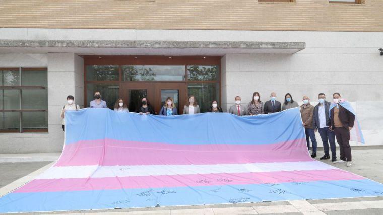 Cortes y Junta se suman a la campaña #ExigimosLaIgualdadTrans e inciden en su compromiso con la futura ley LGTBI de C-LM