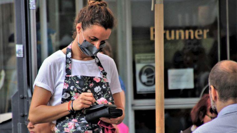 CLM, la Comunidad que registra la menor caída de los servicios en febrero