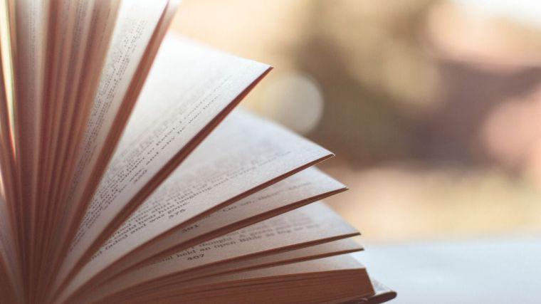 Paula Redondo gana el VII Premio Internacional de Narrativa Novelas Ejemplares de la Facultad de Letras de la UCLM
