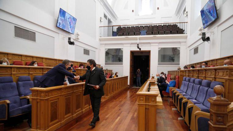 El Pleno del Parlamento regional elige a Javier Sevilla como nuevo secretario segundo de la Mesa