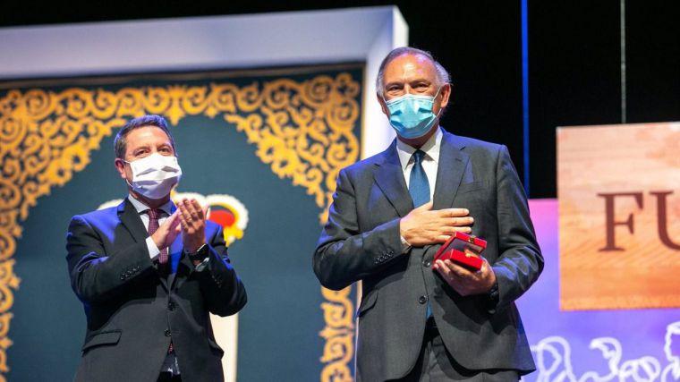 Piqueras y Perales reivindican su tierra como artífices de su éxito al recoger sus Medallas de Oro de CLM