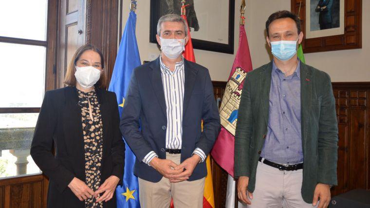 Álvaro Gutiérrez recibe a la nueva directora Territorial Centro de Telefónica