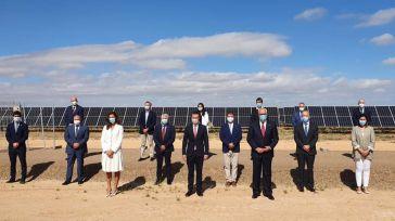 Unos 71.000 hogares recibirán electricidad de origen renovable con el primer complejo fotovoltaico Repsol en Manzanares