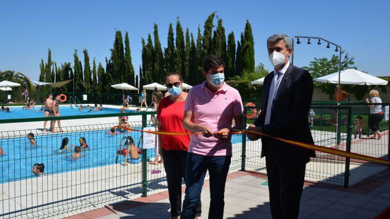 Casarrubios del Monte estrena piscina tras su reforma integral financiada por la Diputación y el Ayuntamiento