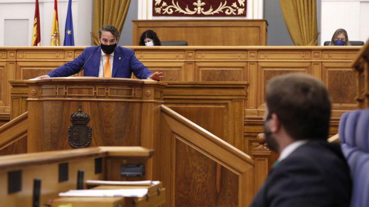El Pleno aprueba cinco resoluciones en defensa del agua del Tajo, contra la ocupación ilegal de viviendas y para fortalecer el modelo de atención sociosanitaria
