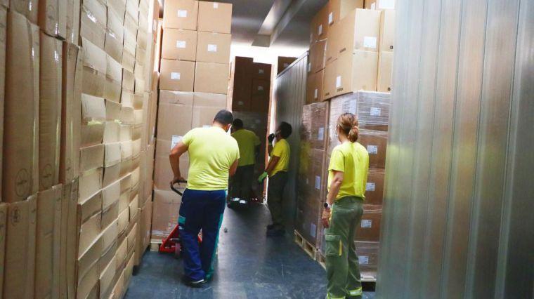 El Gobierno de Castilla-La Mancha ha enviado esta semana una nueva remesa con más de 225.000 artículos de protección a los centros sanitarios