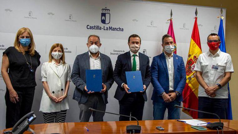 La UCLM y el Gobierno regional crean una cátedra para impulsar la economía circular en Castilla-La Mancha