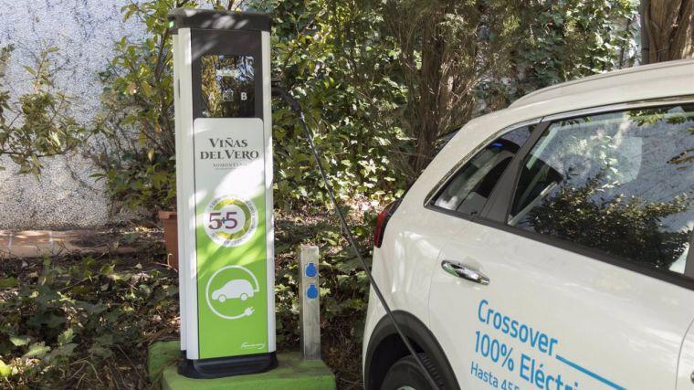 Endesa instalará puntos de recarga para coches eléctricos en tres conocidas bodegas de CLM
