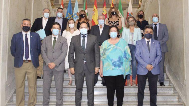 Núñez llevará en septiembre al Parlamento regional su oposición frontal a la armonización fiscal planteada por Page