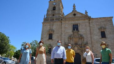 Ana Gómez resalta la importancia de conservar joyas patrimoniales como la iglesia parroquial de Orgaz