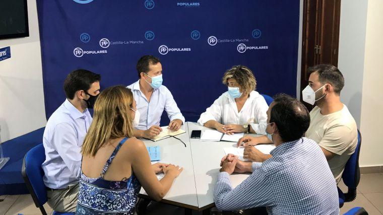El nuevo presidente del PP de Toledo prosigue con su toma de contactos con la representación institucional del partido