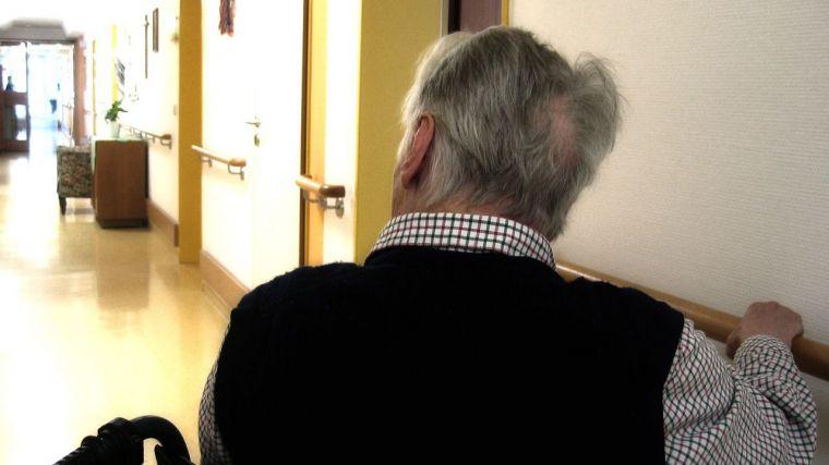 Mascarillas, visitas limitadas y cribados masivos, nuevas medidas para las residencias de mayores