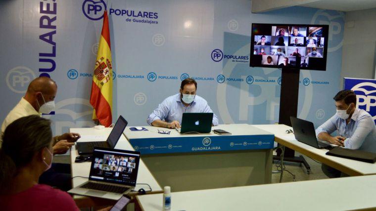 Núñez se reunirá con los consejeros de Hacienda de Comunidades gobernadas por el PP para ultimar su plan de rebaja fiscal