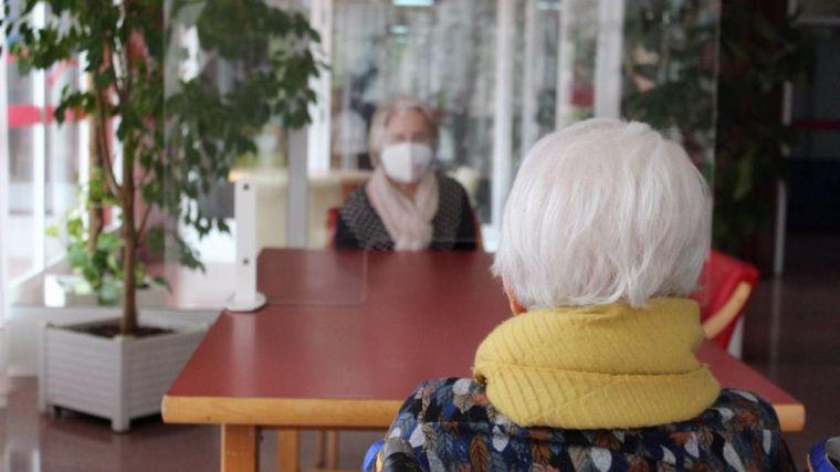 Sanidad pone en marcha estudios sobre Covid persistente e inmunidad en residencias de mayores