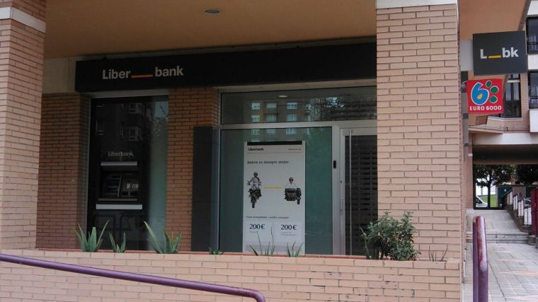 Los empleados de Liberbank cobran la nómina completa por primera vez en ocho años