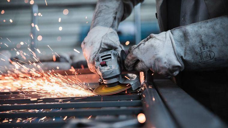 Fuerte crecimiento de la actividad manufacturera y de los servicios durante el mes de agosto