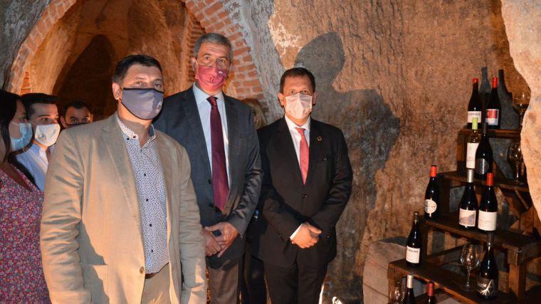 Álvaro Gutiérrez resalta las posibilidades de desarrollo del Museo del Vino de Méntrida