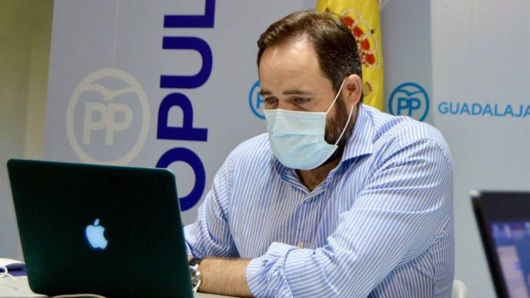Núñez ensalza la propuesta de Casado para rebajar la luz frente a un PSOE que