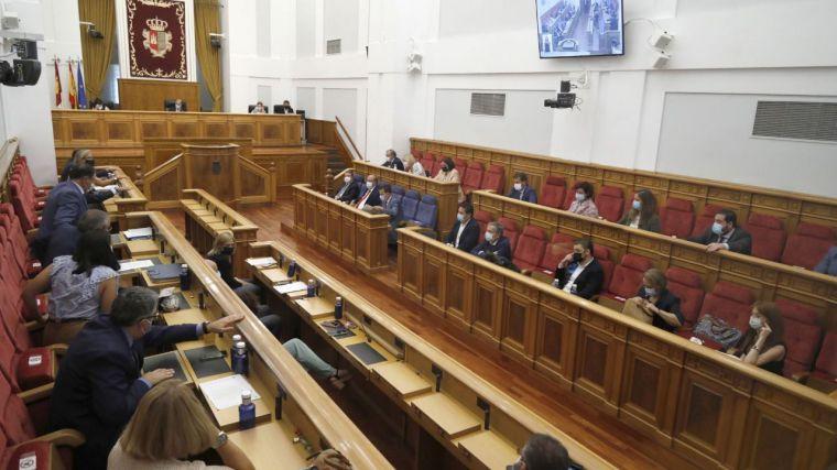 El Pleno aprueba cuatro resoluciones socialistas sobre agua, DANA, impuestos y sanidad y dos PNL de Cs sobre turno de oficio de abogados y lactancia