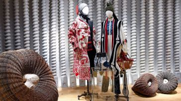 Loewe, la única firma española entre las 50 marcas de lujo más valiosas del mundo, según Brand Finance