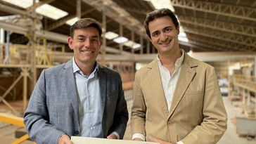 Julio Pascual con Francisco Rodríguez, CEO de La Paloma Cerámicas