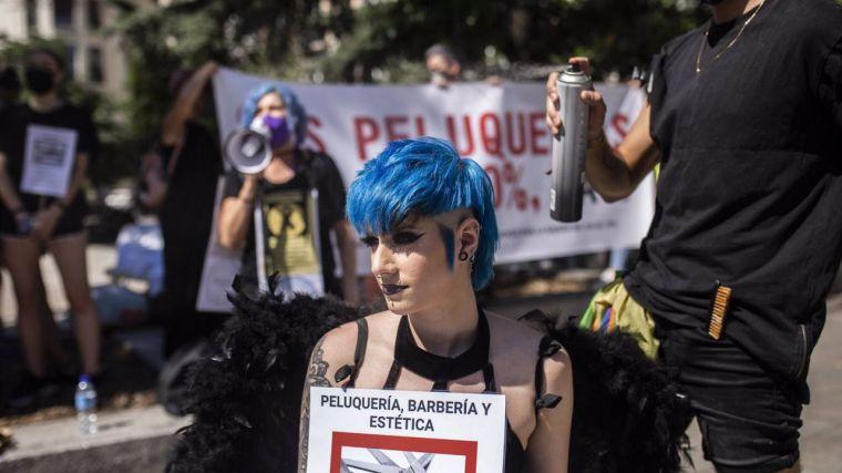Las peluquerías, indignadas por el nuevo veto del PSOE en el Senado para la restitución del IVA reducido