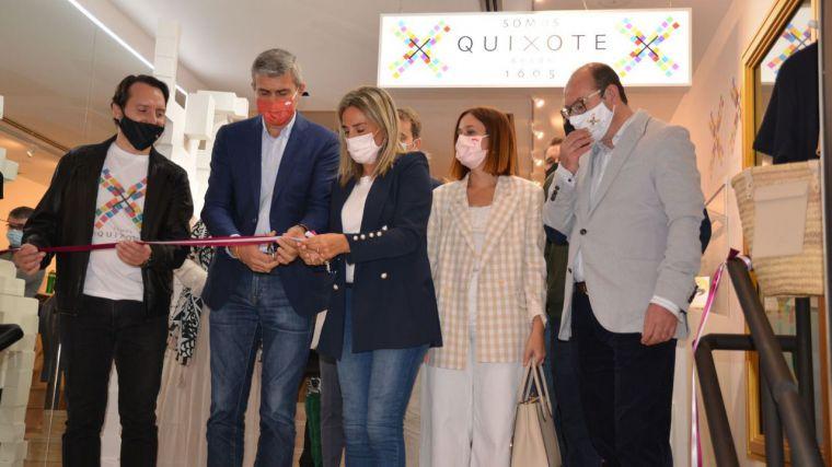 El Casco de Toledo vuelve a acoger la apertura de un negocio de artesanía local con el estreno de 'Somos Quixote'