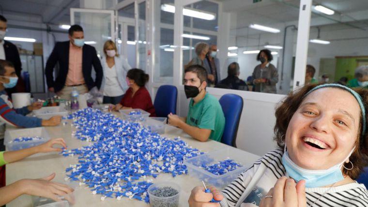 Las Cortes refuerzan su apertura a la ciudadanía con una visita parlamentaria a las entidades sociales de Asprona y la Fundación Asla en Albacete
