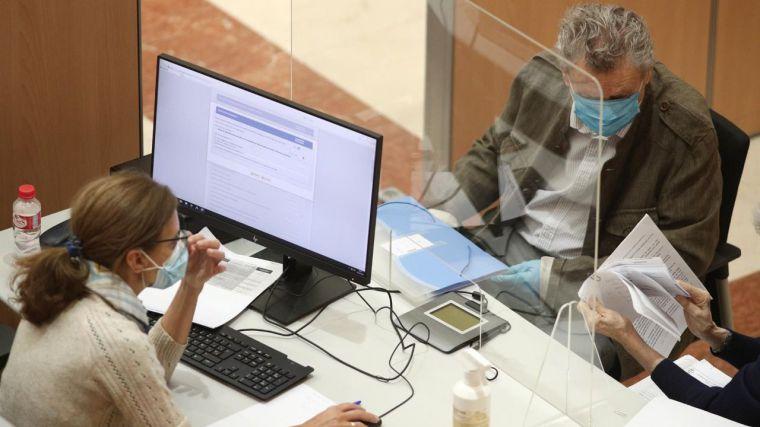 Solo uno de cada cinco desempleados de la Comunidad cobra la prestación contributiva por desempleo