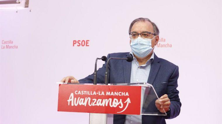 El PSOE pide a Núñez que aplauda el anuncio del inicio de la vacunación con la tercera dosis a mayores de 65 años